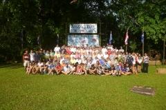 1_2013-tour-group-at-home-phu-toey